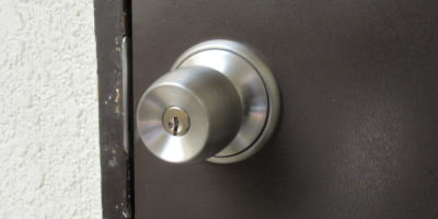 ドアノブ錠の鍵交換